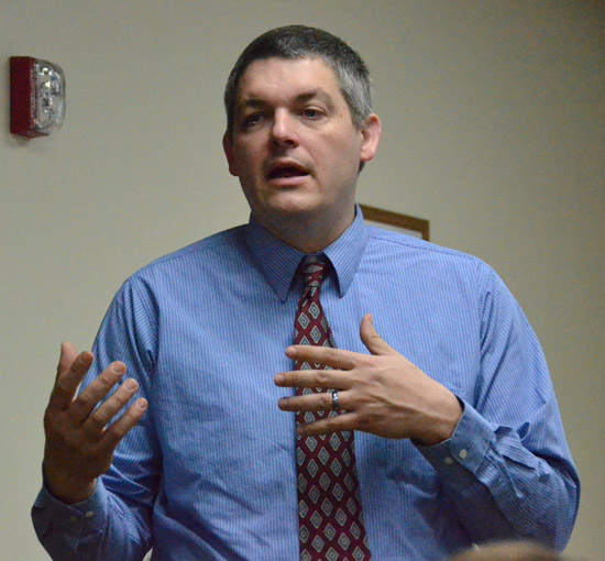 Jeff Beebe of Connect Ohio talks about that organization's new Digital Works online training program. (Dave Mosier/Van Wert independent)