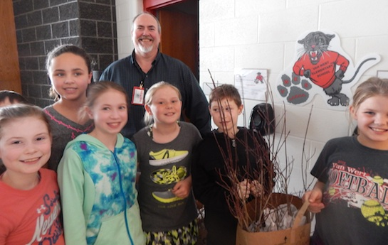 Recently, Craig Higbie of the Van Wert Soil and Water Conservation District came to Van Wert Elementary School to present a talk about trees to the fourth graders.  Each fourth grade student received a White Flowering Dogwood tree to plant at home. (Photo submitted.)