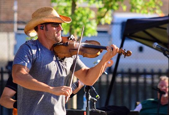 Chris Higbee concert in park 7-22-16