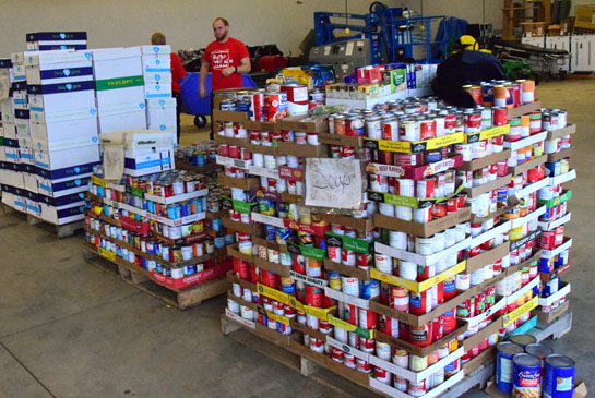 2016-day-of-caring-food-drive