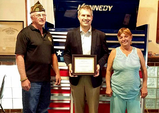 kennedy-donates-to-vfw-10-2016