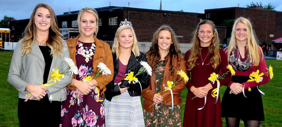 vwhs-football-homecoming-court-9-2016