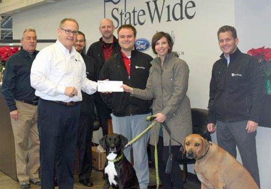 statewide-donates-to-dog-park-12-2016